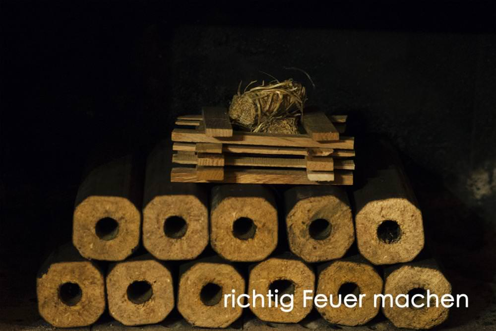 Vorschau: Holzbriketts Kamin Feuer machen 1