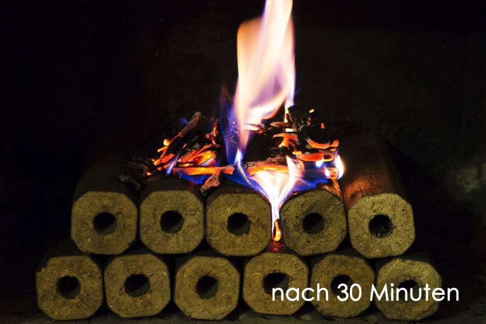 Vorschau: Holzbriketts Kamin Feuer machen 3